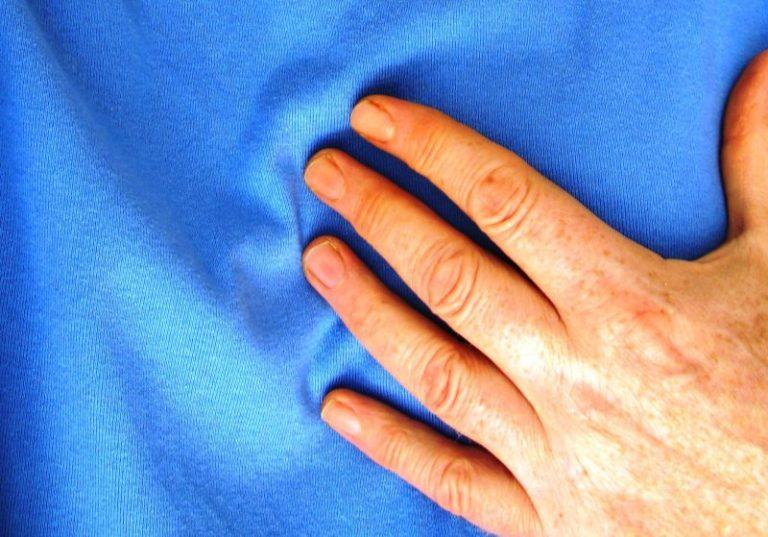 Enfarte na mulher manifesta-se mais tarde mas mata mais vezes, alerta médico