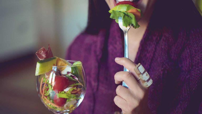 Colesterol elevado? Coma estes 6 'superalimentos' e reduza o risco